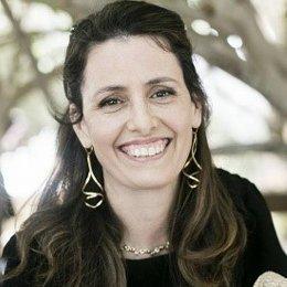 Roni Zimmer Doctori at Education Design International